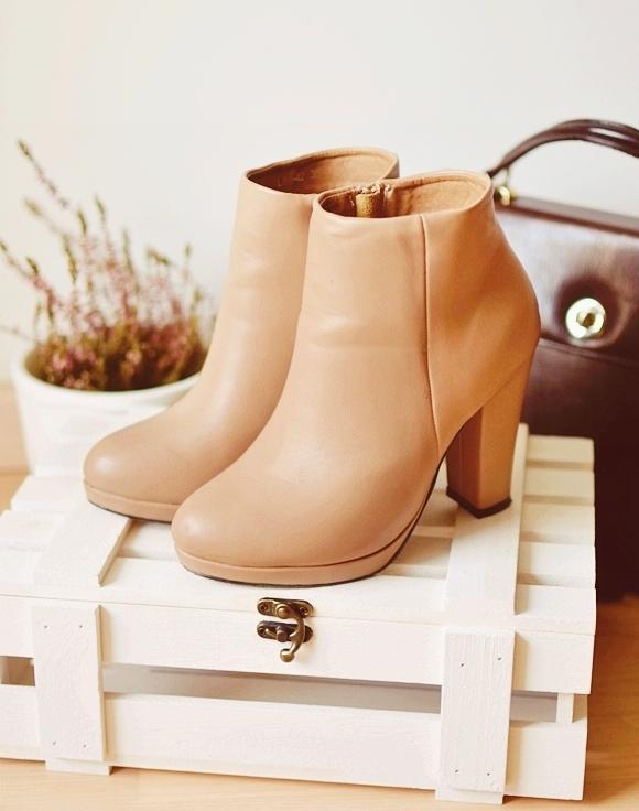 c7e4d53e3e087 Lubicie botki? Jakie kolory tego typu butów preferujecie?